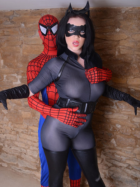 Preview CosPlay Babes - Catwoman Vs Spiderman