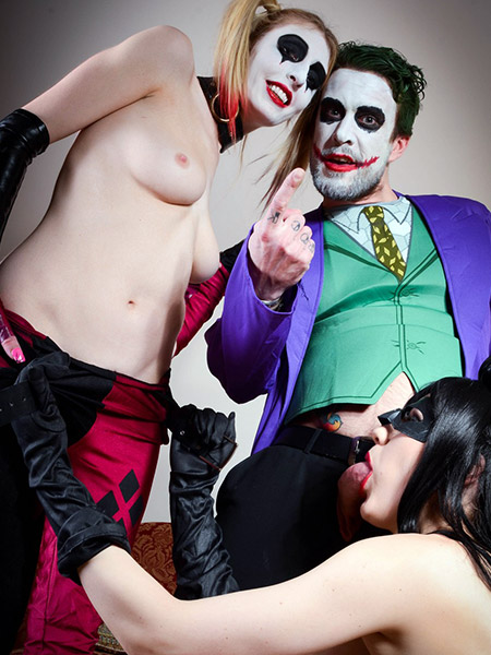 Preview CosPlay Babes - The Joker´s threesome